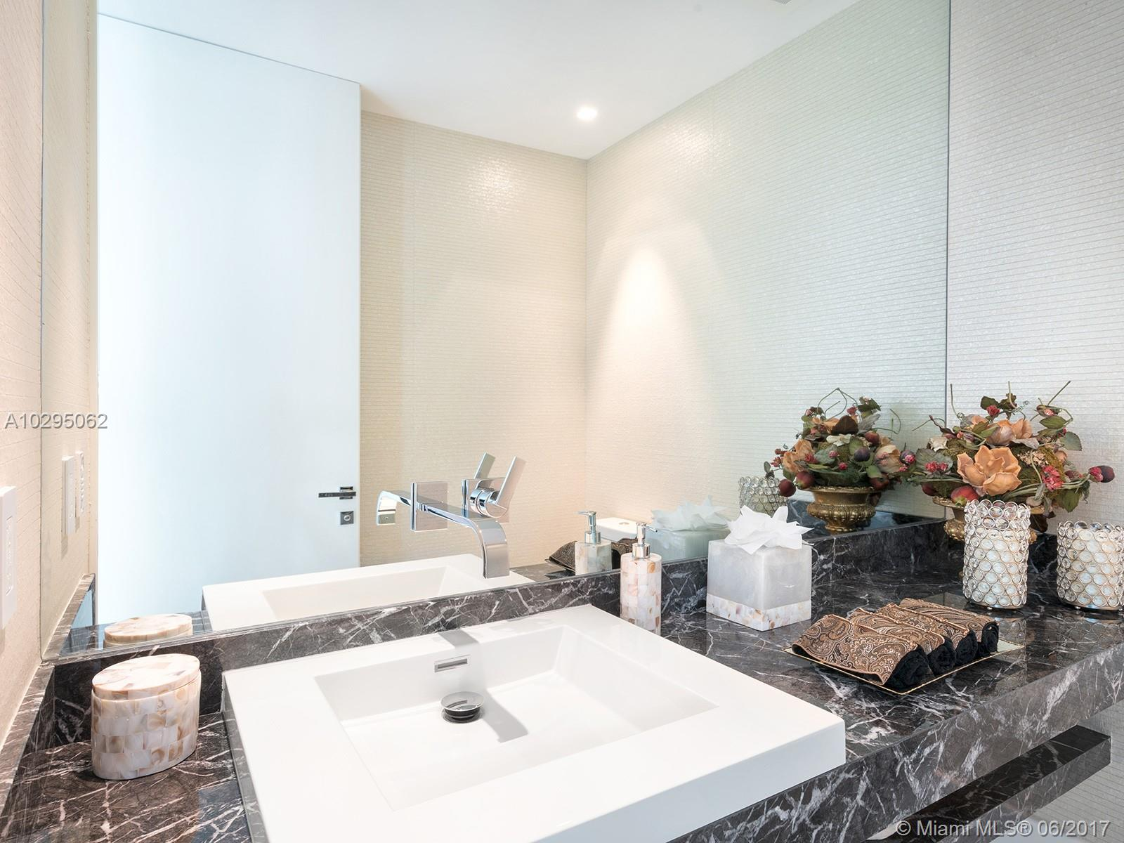 19575 Collins ave-42 sunny-isles-beach-fl-33160-a10295062-Pic12