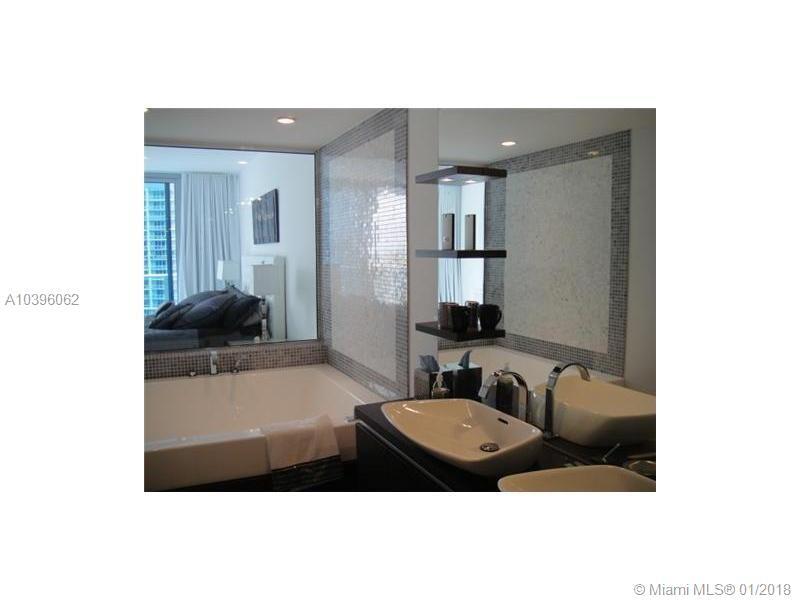 200 Biscayne Blvd Wy #3608, Miami FL, 33131