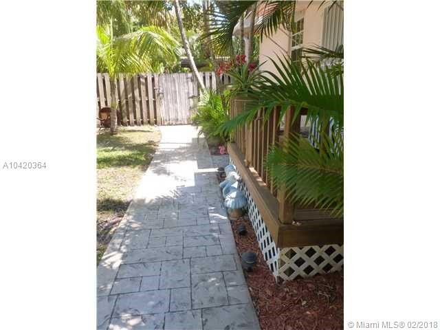 11801 Ne 11th Ave, Biscayne Park, FL 33161