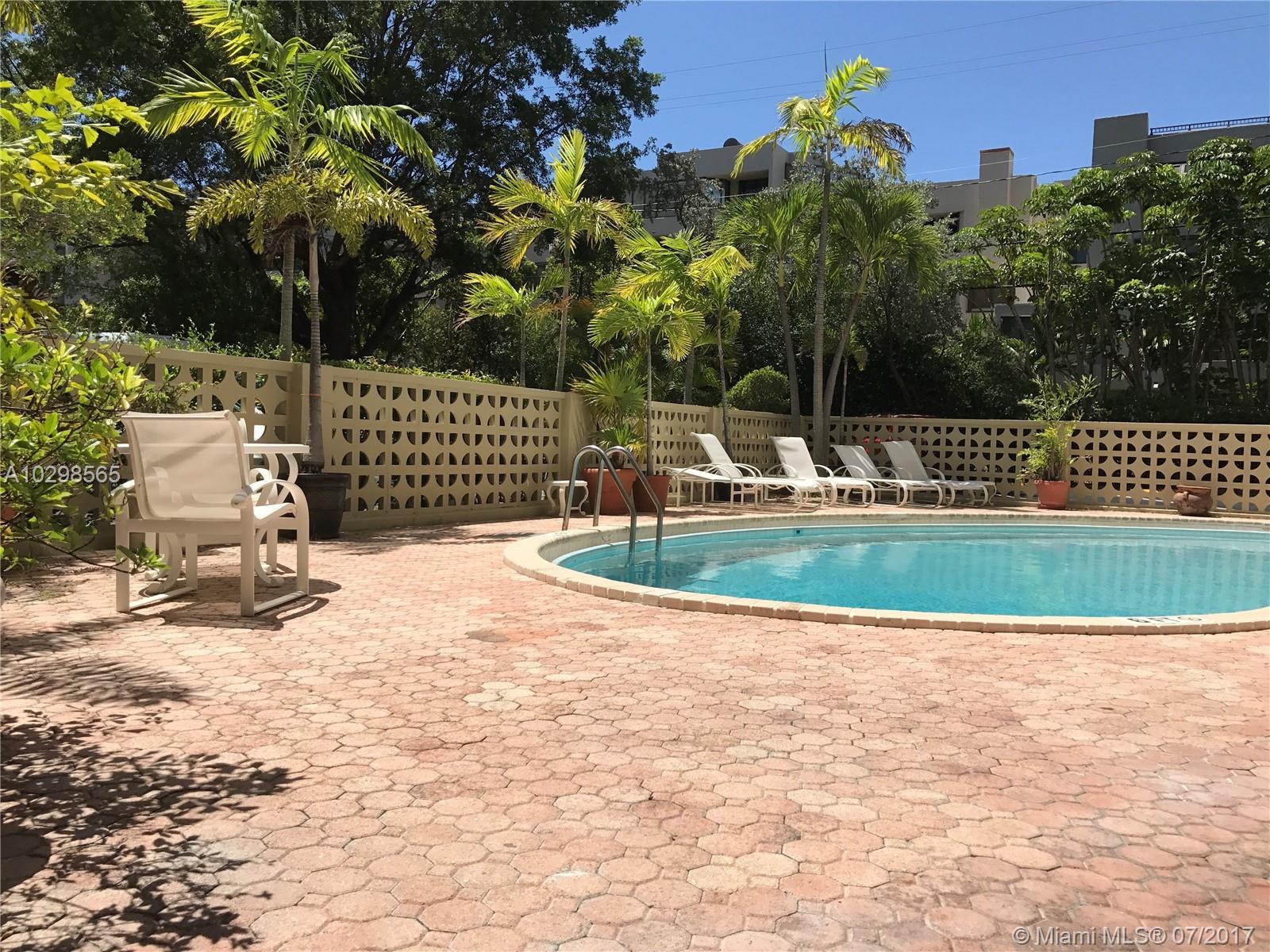 77 Crandon Blvd # 3D, Key Biscayne , FL 33149