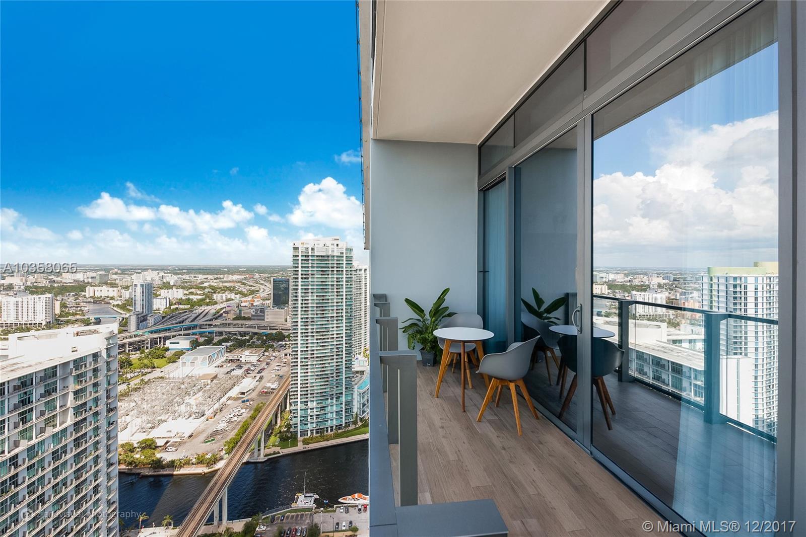 88 SW 7th St # 4106, Miami , FL 33130