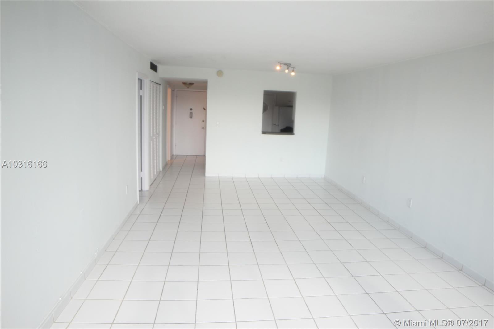 8233 Harding Ave # 303, Miami Beach, FL 33141