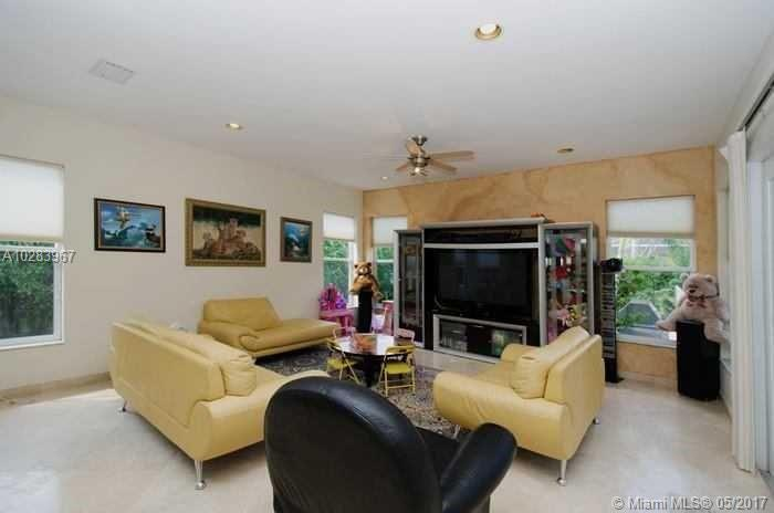 1167 Nw 118th Way, Coral Springs FL, 33071