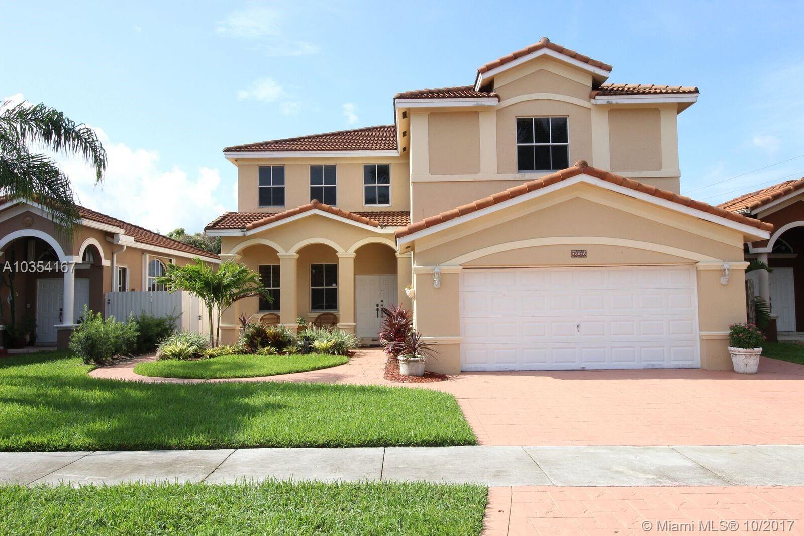 13618 NW 9th St, Miami , FL 33182