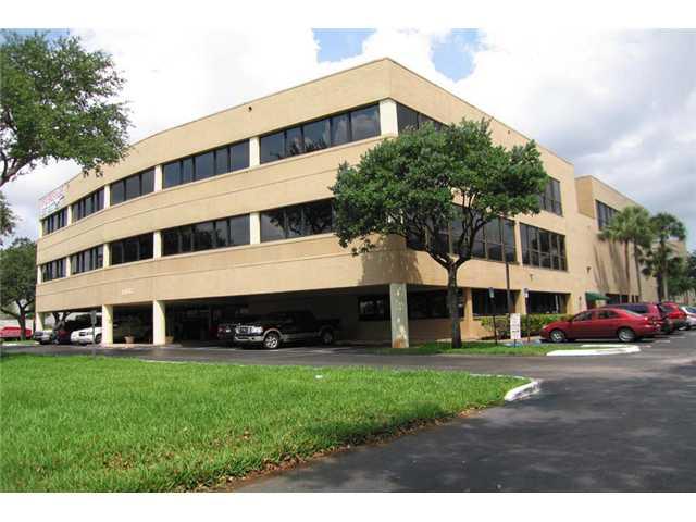 14100 PALMETTO FRONTAGE RD, Miami, FL 33016
