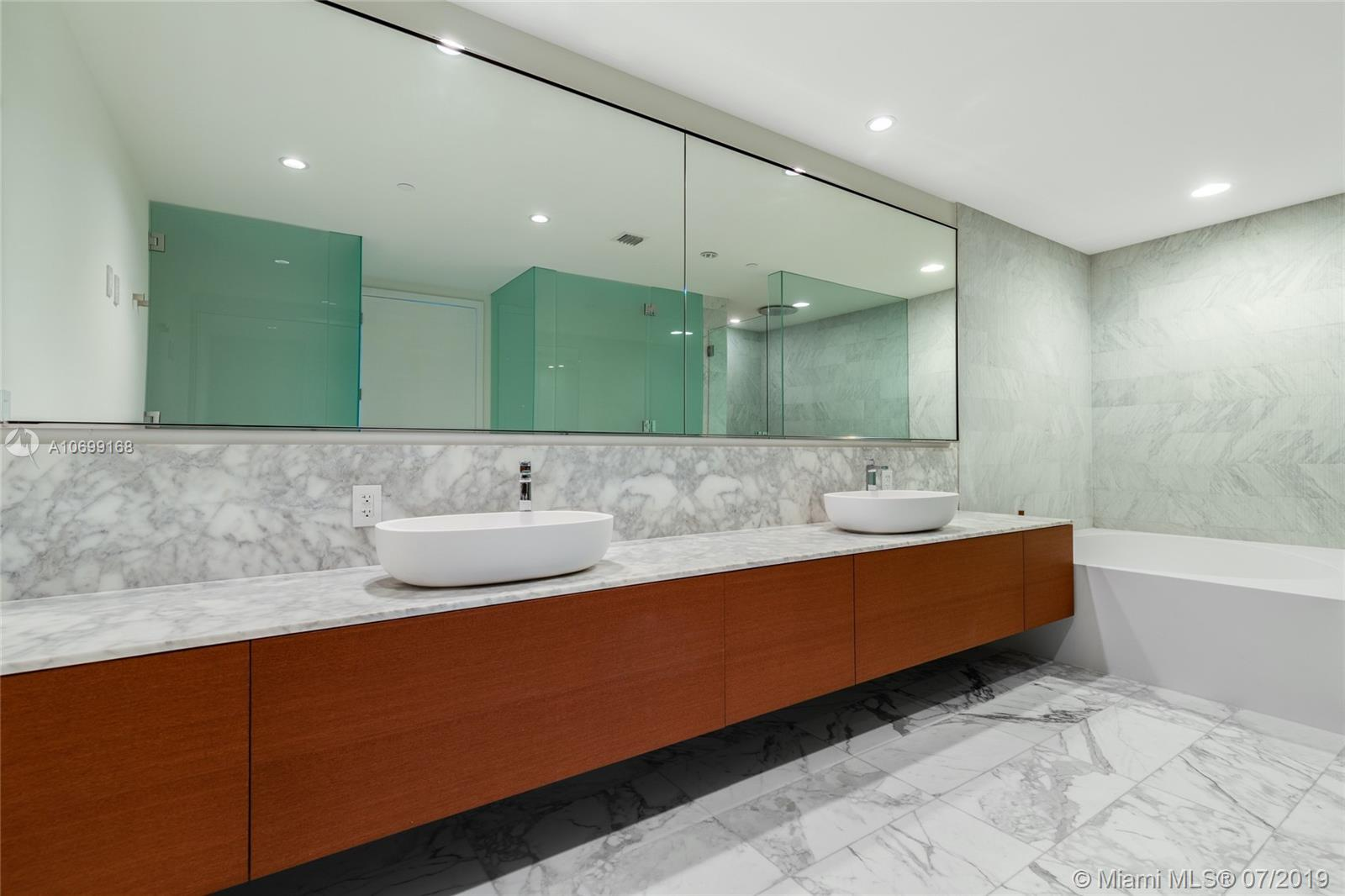 10201 Collins ave-2501 bal-harbour-fl-33154-a10699168-Pic11