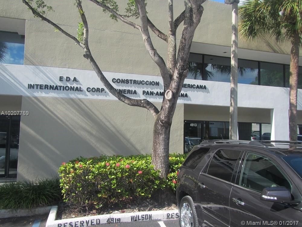 4913 SW 75 AV, Miami, FL 33155