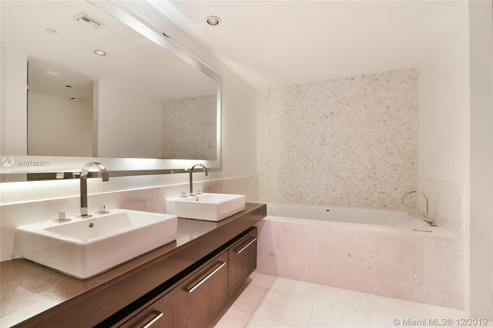 17121 Collins ave-905 sunny-isles-beach-fl-33160-a10788971-Pic13