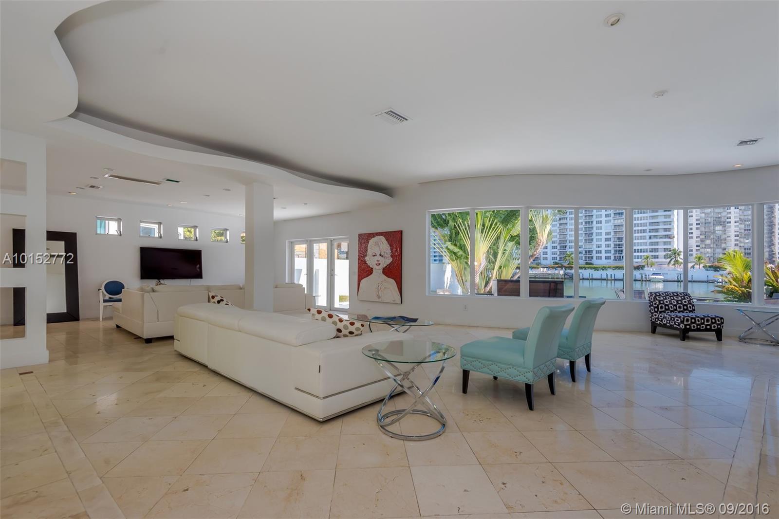 5777 Pine Tree Dr, Miami Beach, FL 33140
