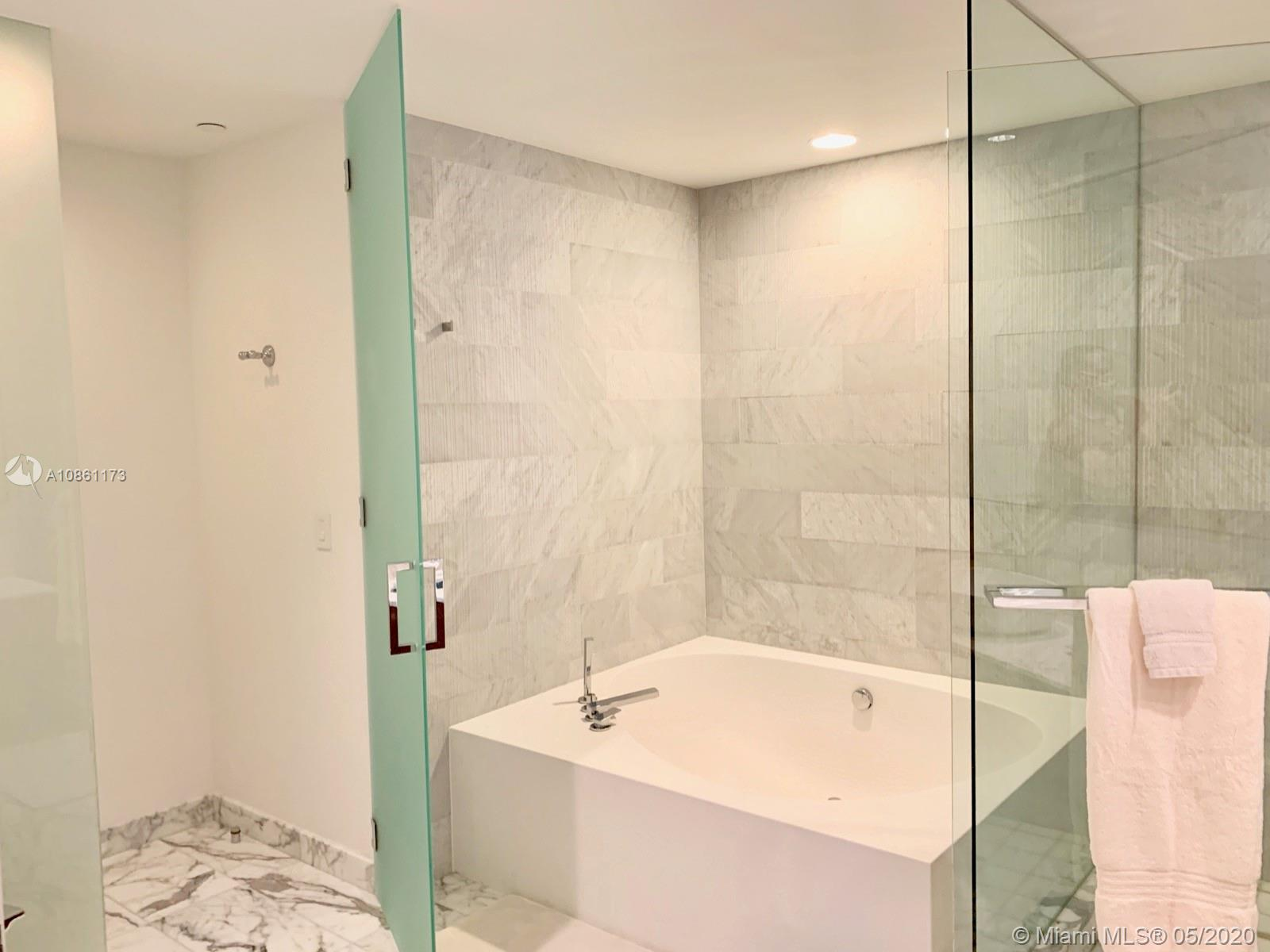10201 Collins ave-301 bal-harbour-fl-33154-a10861173-Pic23