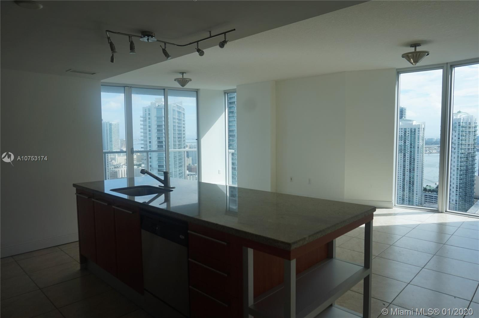 185 7th st-3811 miami-fl-33130-a10753174-Pic10