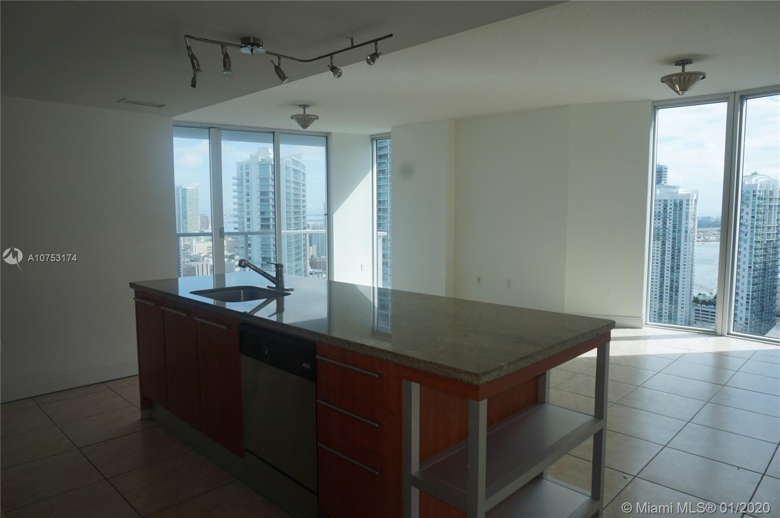 185 7th st-3811 miami-fl-33130-a10753174-Pic11