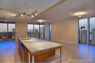 185 7th st-3811 miami-fl-33130-a10753174-Pic06