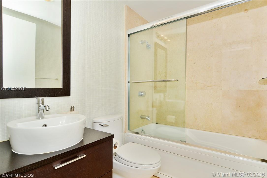 5875 Collins ave-807 miami-beach--fl-33140-a10043375-Pic09