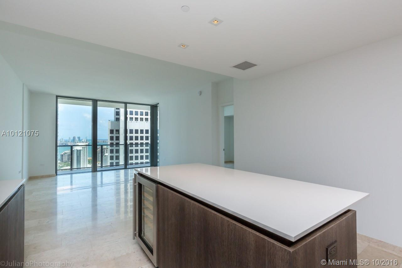 68 6th st-2705 miami--fl-33131-a10121075-Pic10
