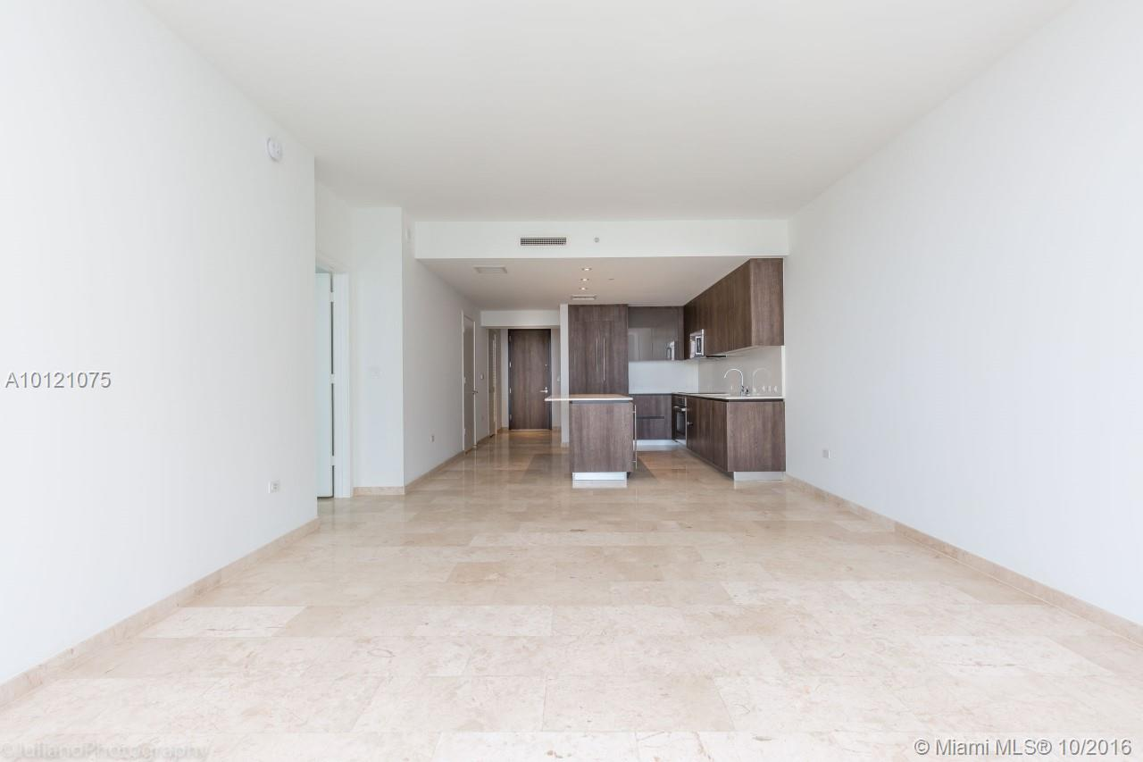 68 6th st-2705 miami--fl-33131-a10121075-Pic11