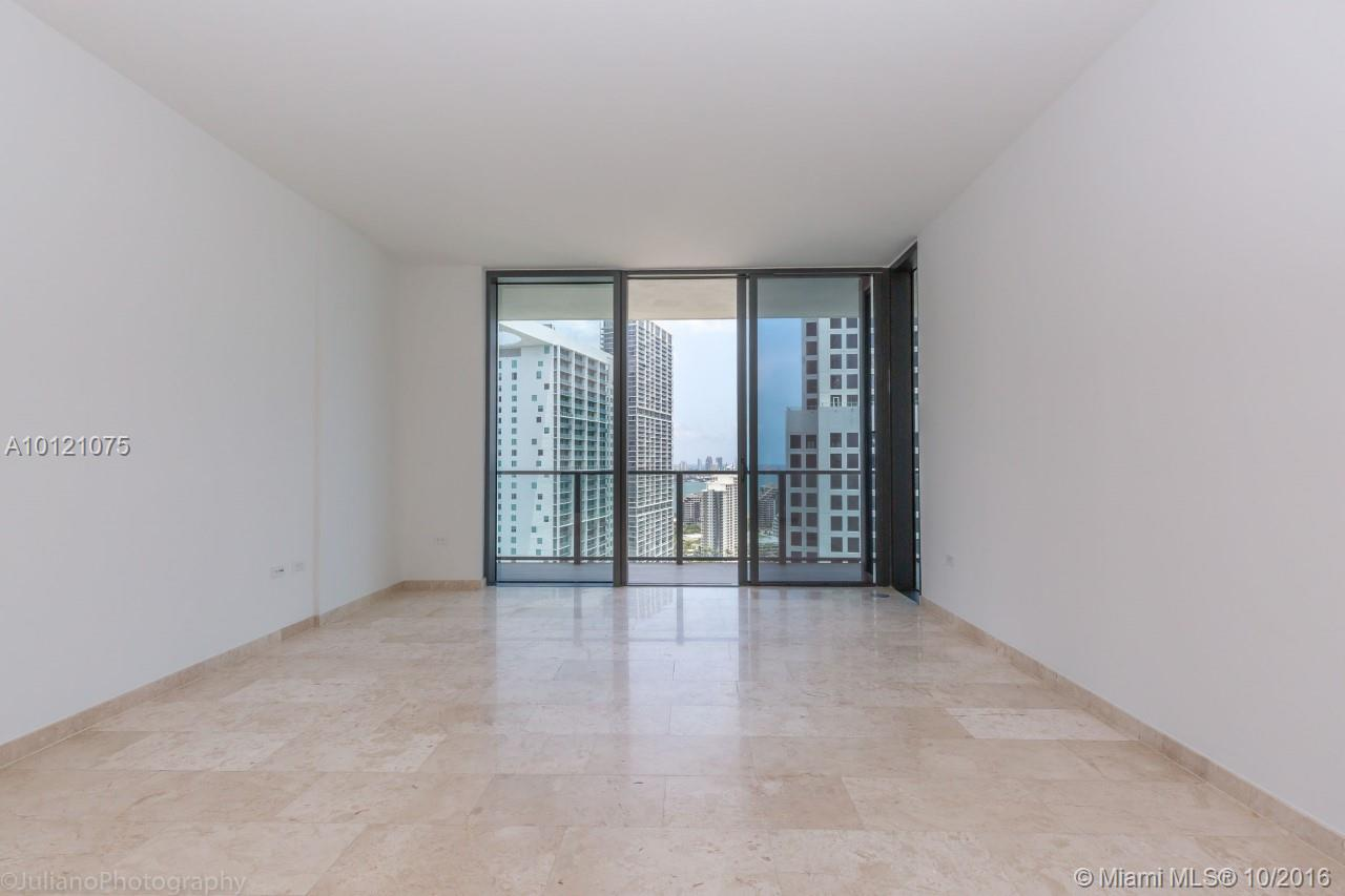 68 6th st-2705 miami--fl-33131-a10121075-Pic12