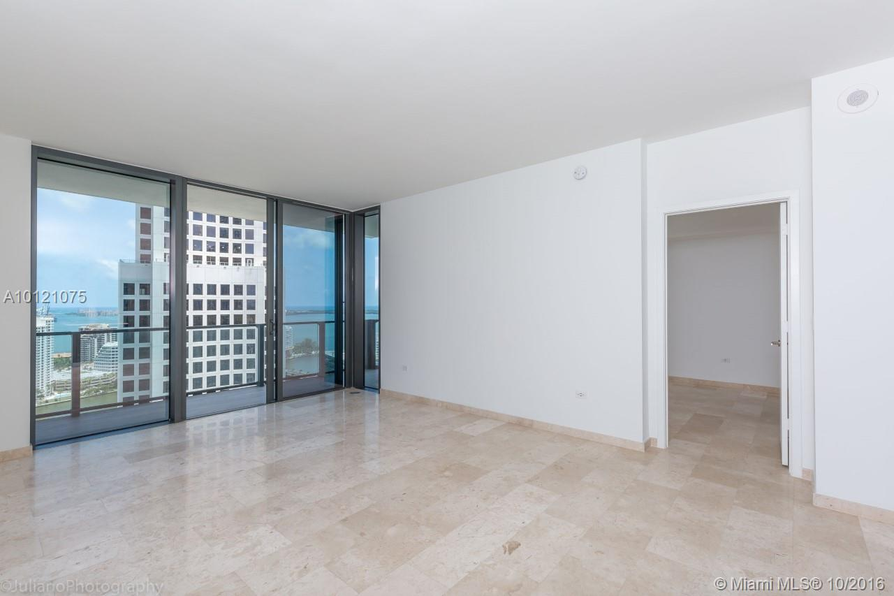 68 6th st-2705 miami--fl-33131-a10121075-Pic14