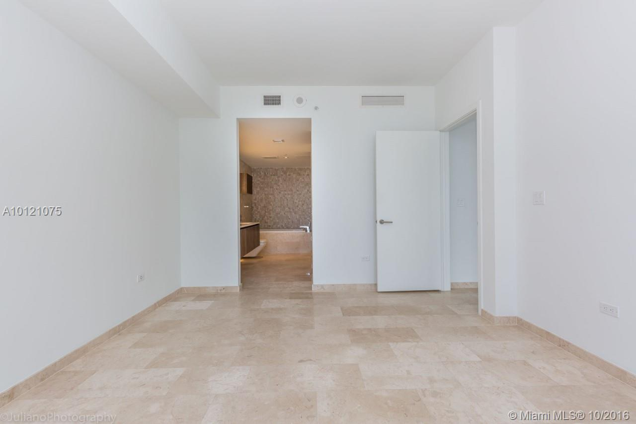68 6th st-2705 miami--fl-33131-a10121075-Pic15