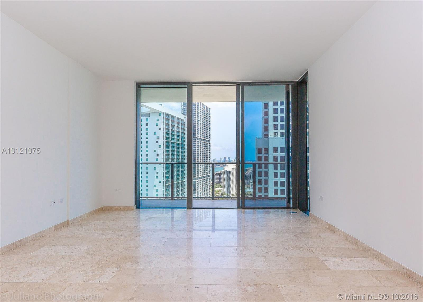 68 6th st-2705 miami--fl-33131-a10121075-Pic06