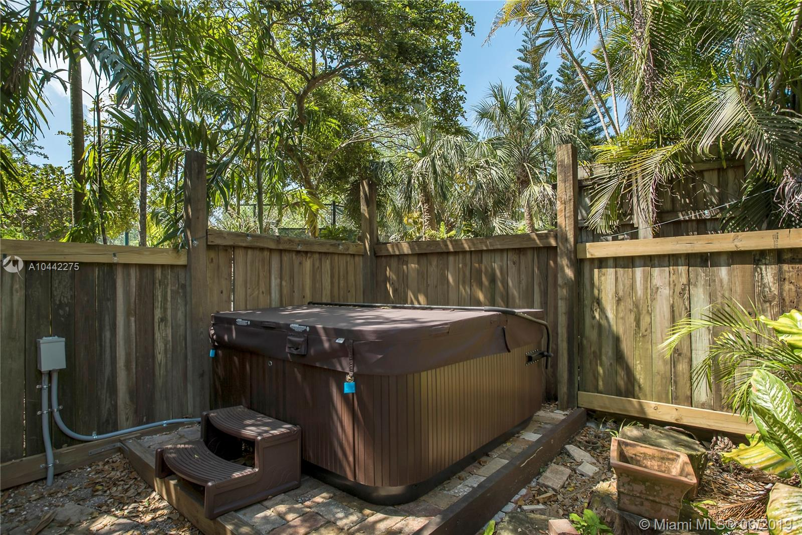 8940 Sw 67th Ave, Pinecrest FL, 33156