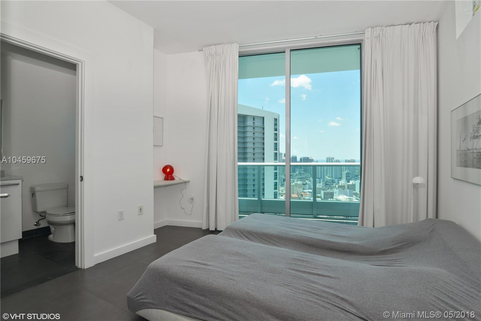 900 Biscayne Blvd #5212, Miami FL, 33132