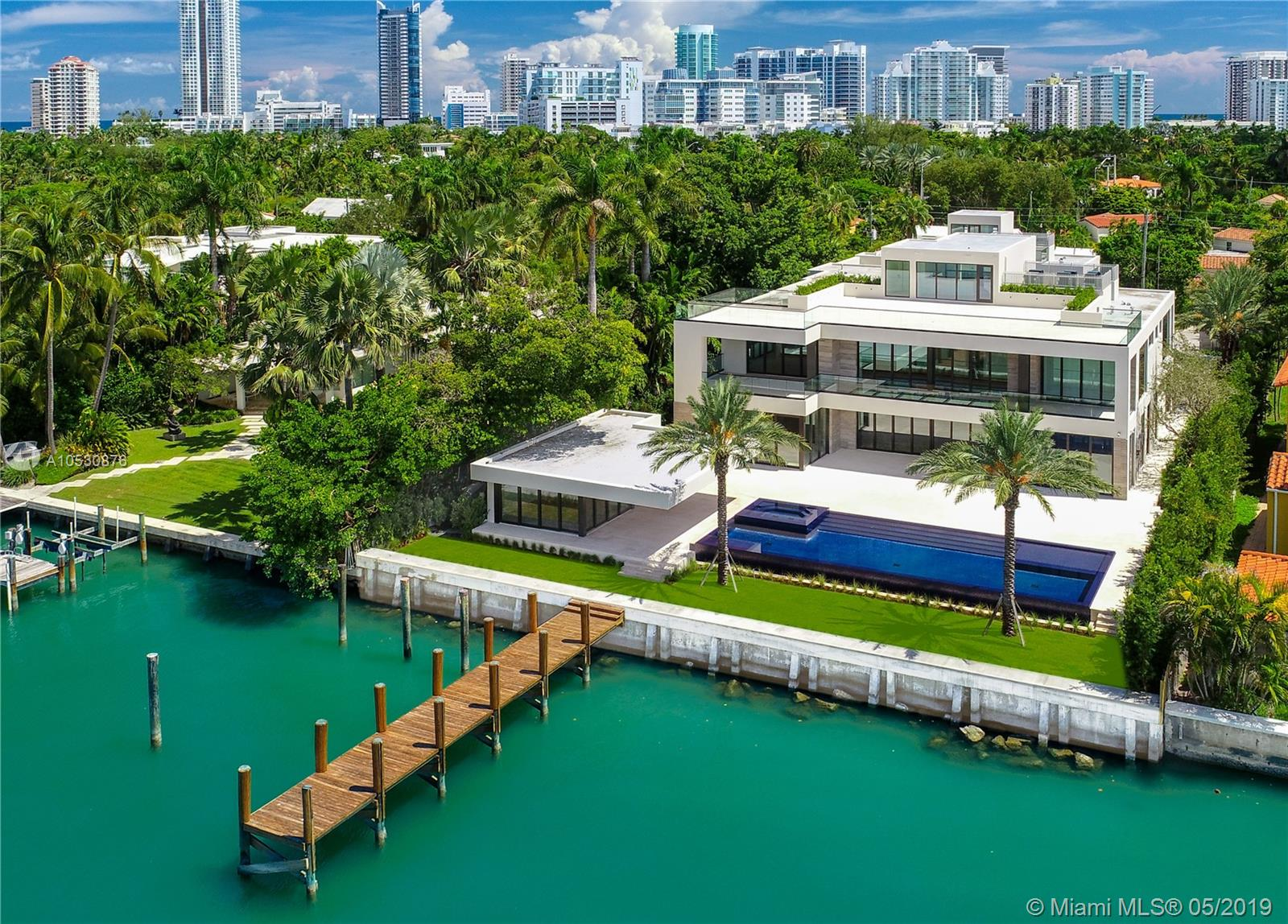 6360 N Bay Rd, Miami Beach, FL 33141