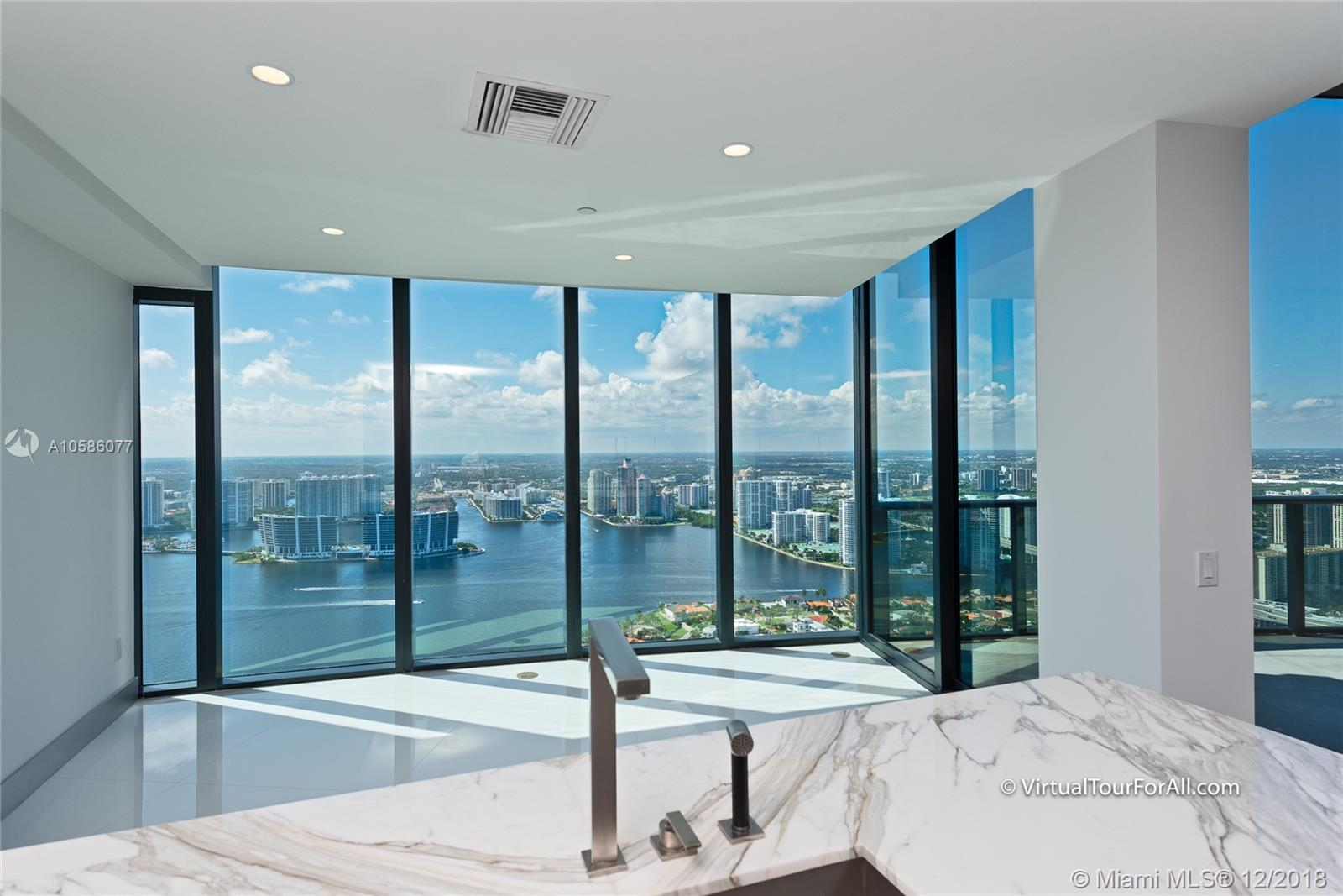 18555 Collins ave-4804 sunny-isles-beach-fl-33160-a10586077-Pic09