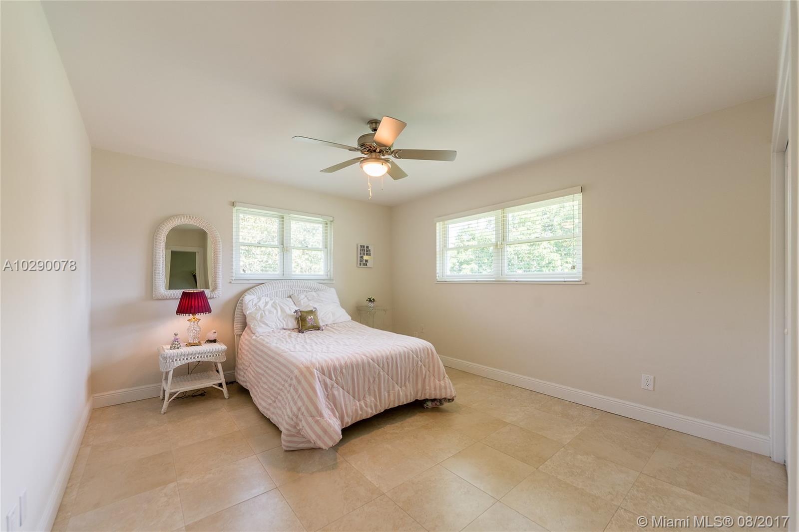 15660 Sw 75 Ave, Palmetto Bay FL, 33157
