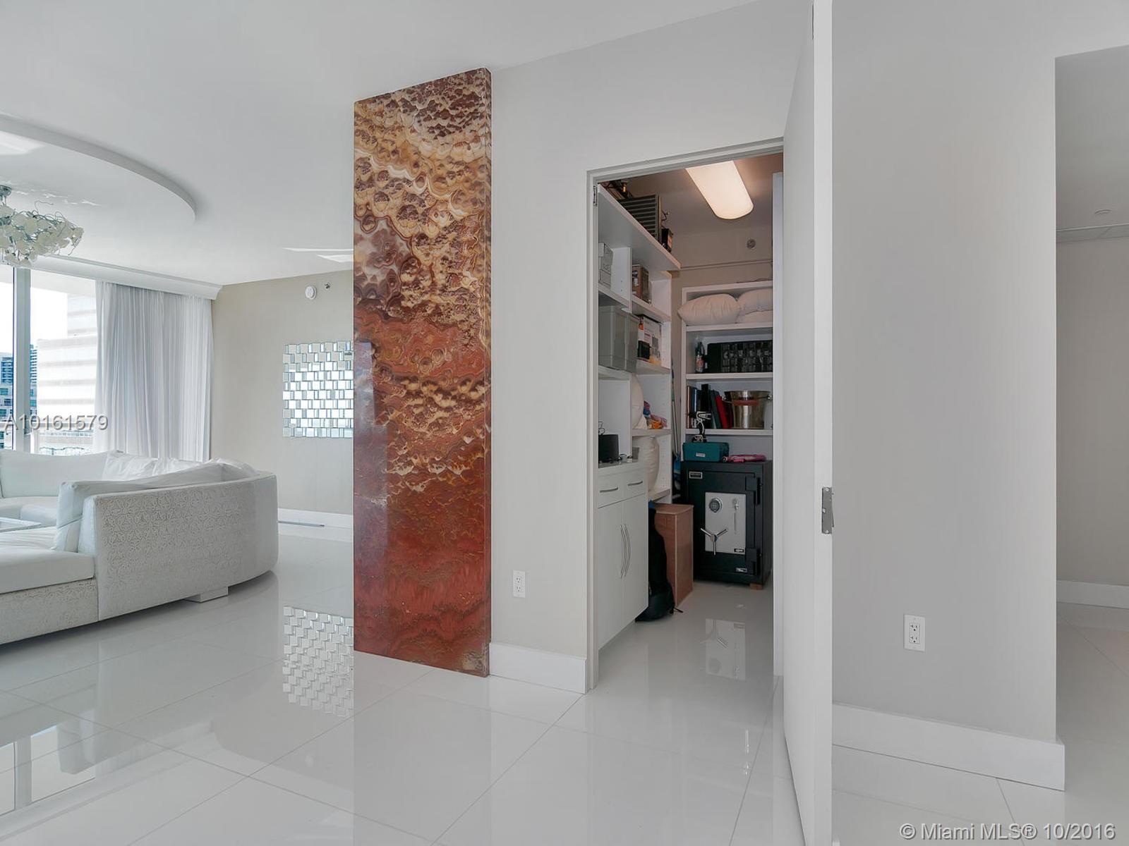 Icon Brickell Condos