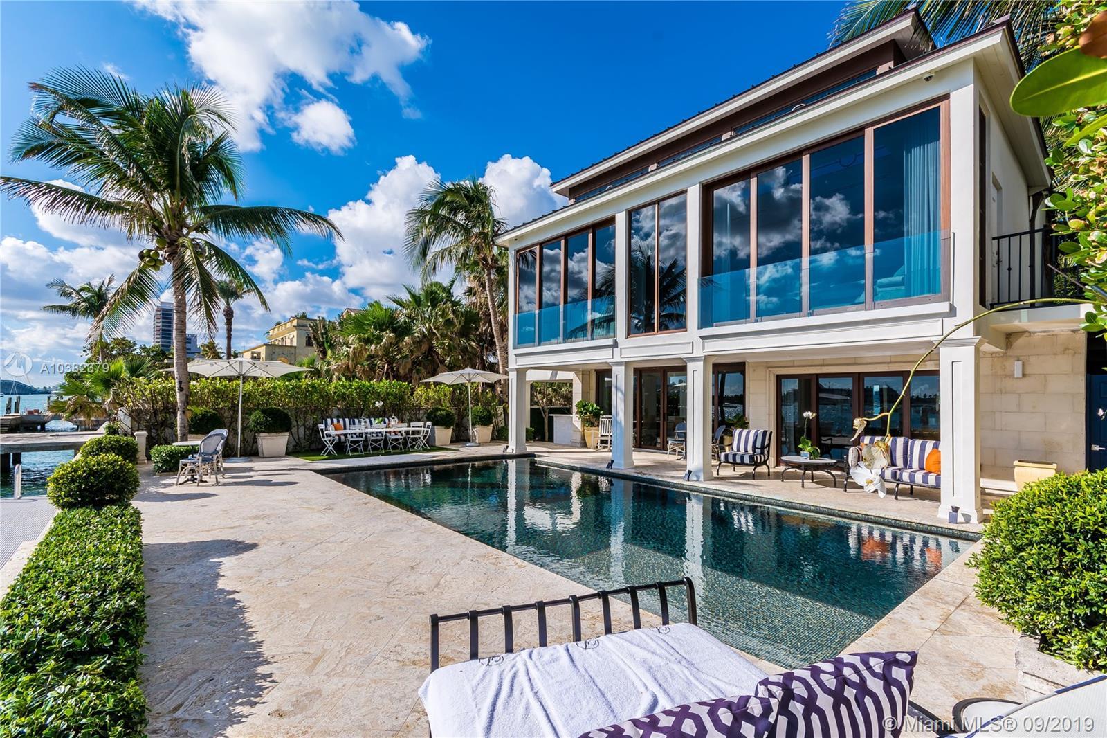 1276 S Venetian Way, Miami, FL 33139