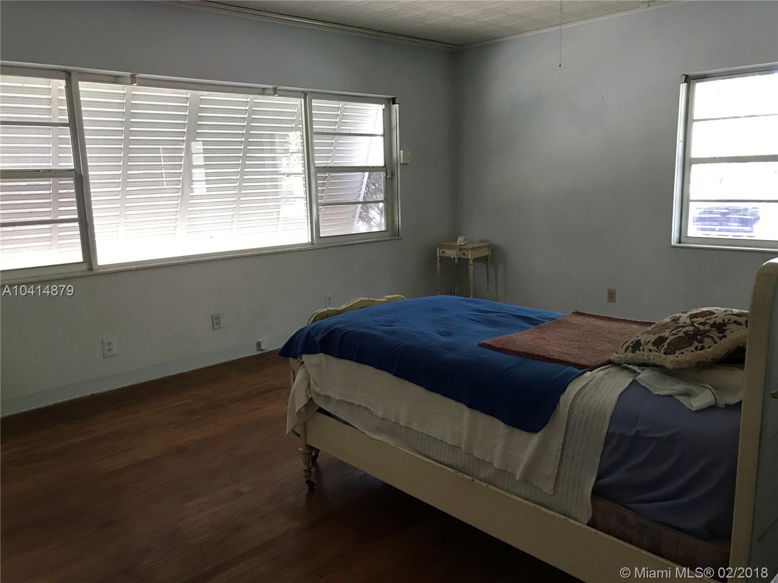 990 NE 97th St, Miami Shores , FL 33138