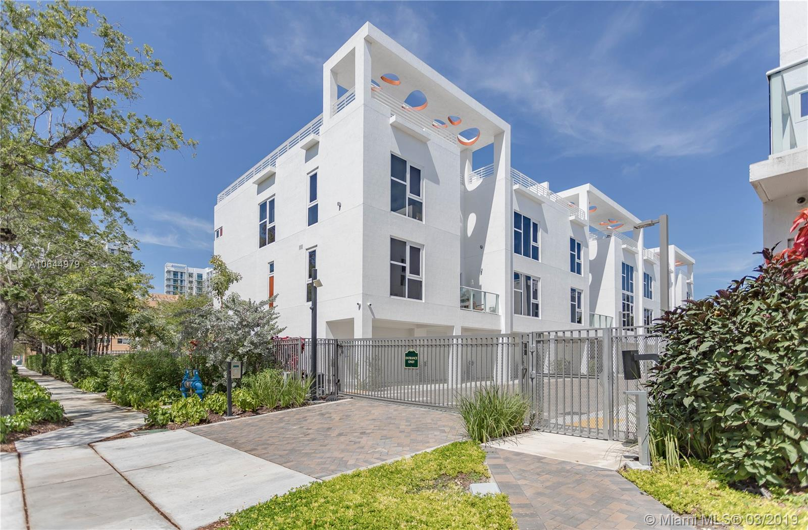 455 39th st-207 miami-fl-33137-a10644979-Pic02