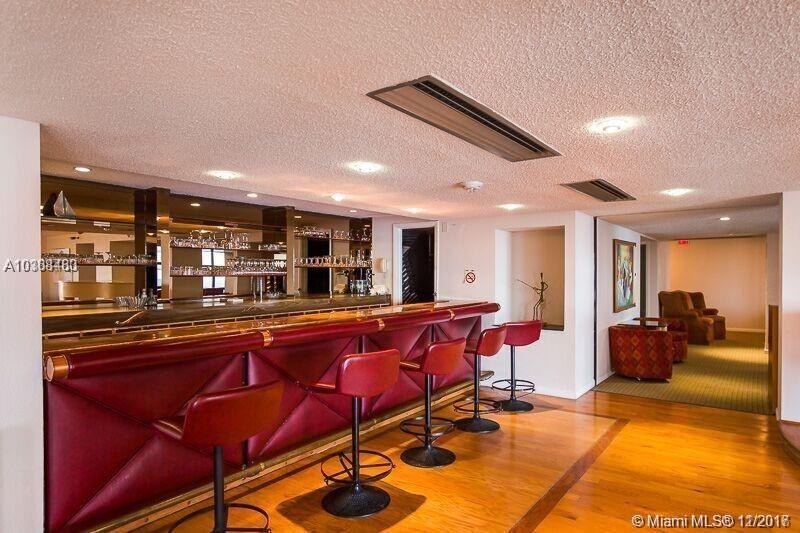 6423 Collins Ave # 1208, Miami Beach , FL 33141