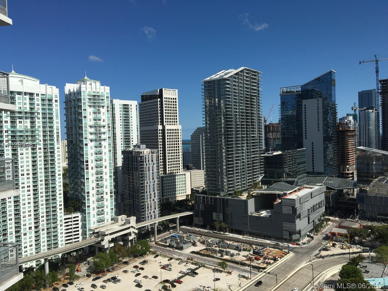 350 Miami av-3110 miami--fl-33130-a10289481-Pic05