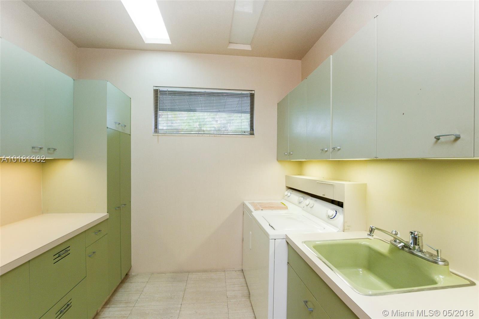 5300 Se White Oak Ln, Tamarac FL, 33319
