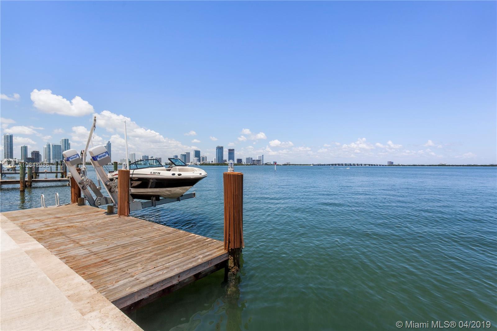 1315 N Venetian Way, Miami, FL 33139