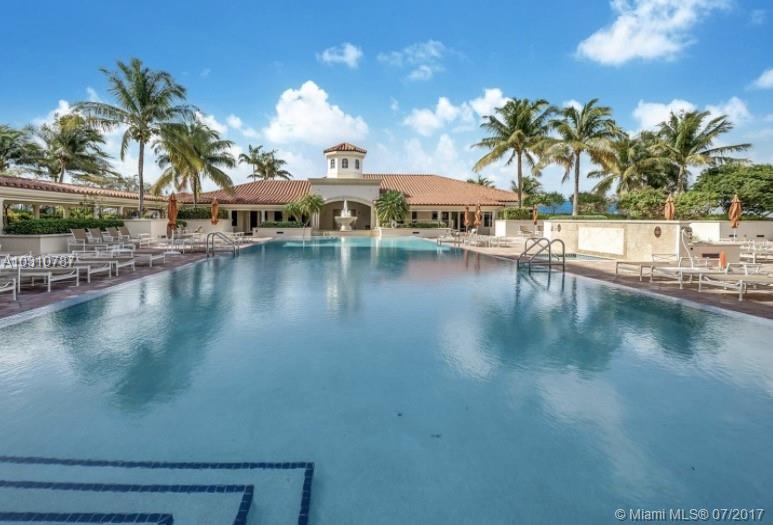 20000 E Country Club Dr # 403, Aventura , FL 33180
