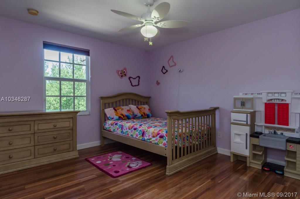 3884 E Hibiscus St, Weston , FL 33332