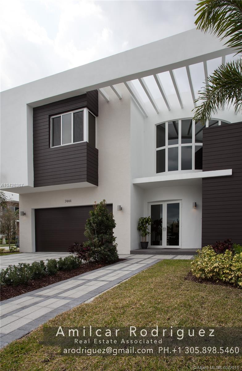 7444 Nw 101st Ave, Miami FL, 33178