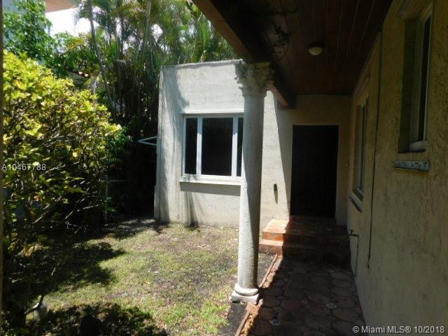 6908 Portillo St, Coral Gables FL, 33146