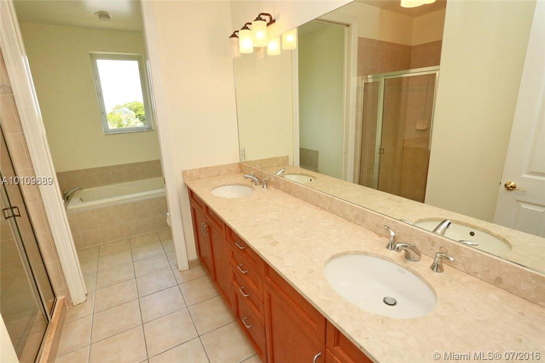 3921 Coral heights way-1003 oakland-park--fl-33308-a10109689-Pic13