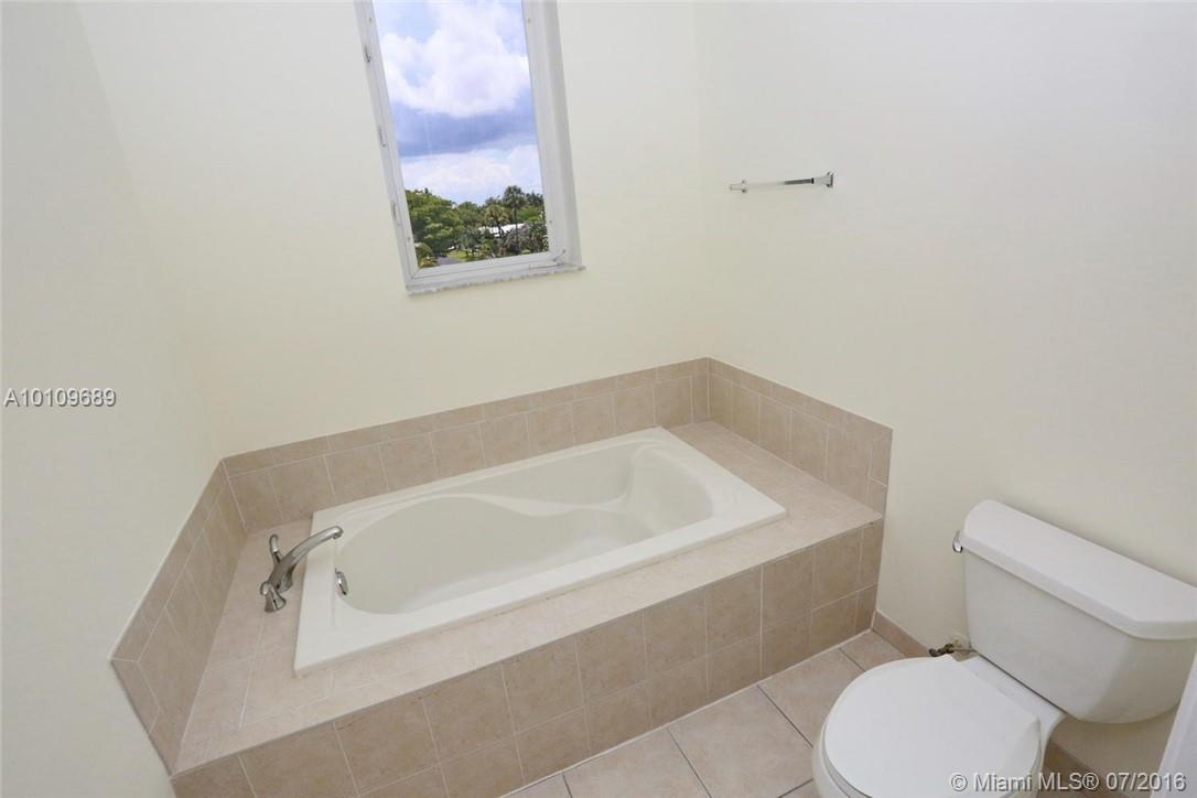 3921 Coral heights way-1003 oakland-park--fl-33308-a10109689-Pic15