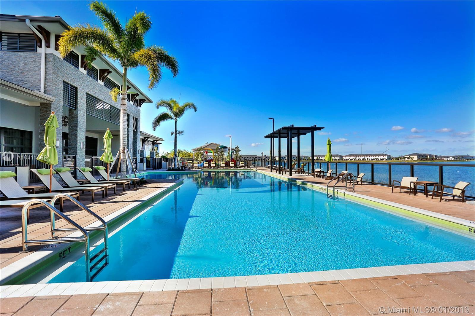 8814 NW 154 TER, Miami Lakes , FL 33018