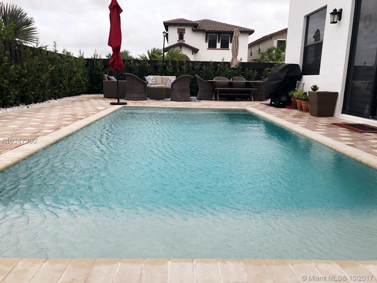 8605 Nw 102nd Ct, Doral FL, 33178