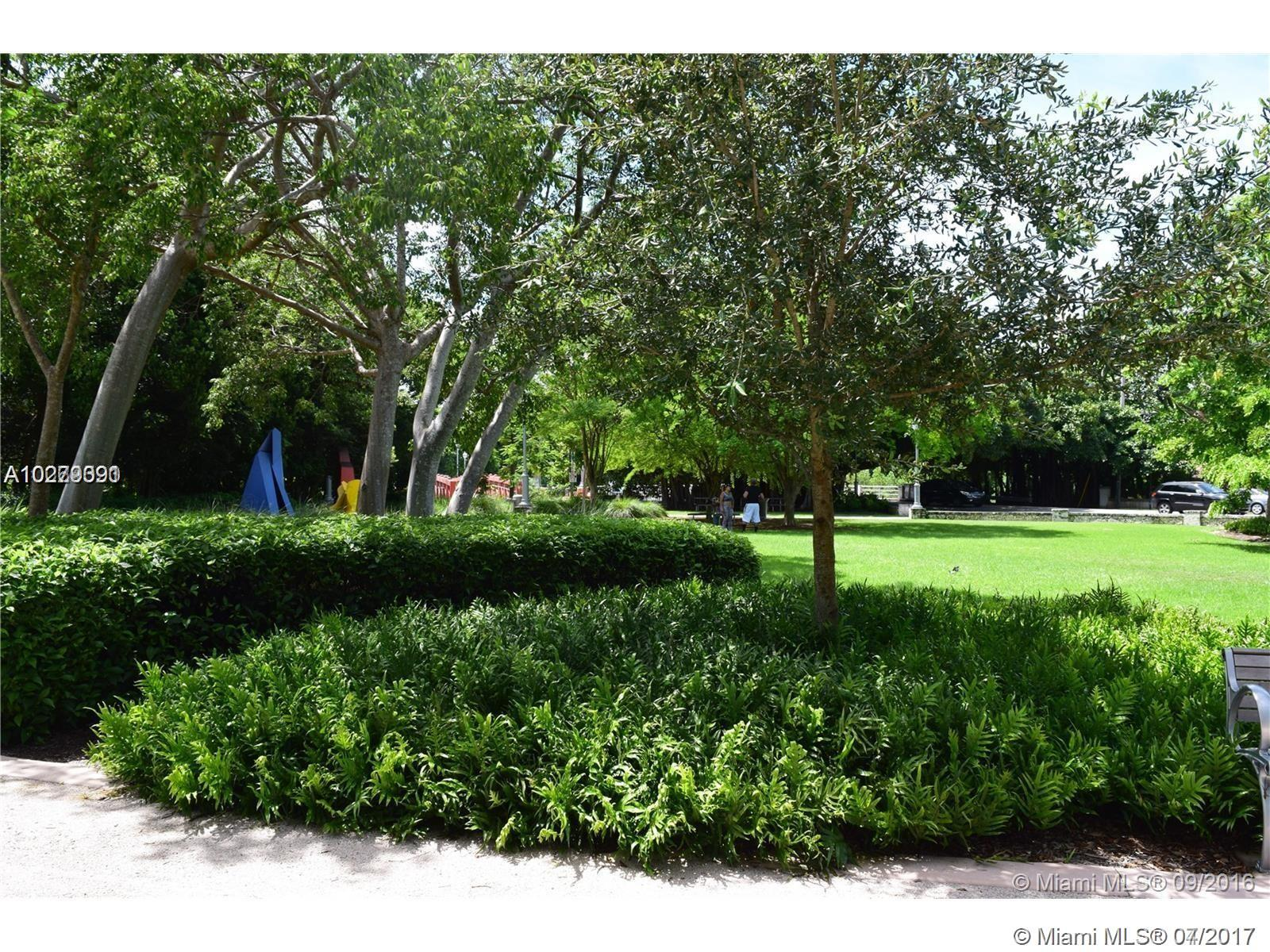 125 Edgewater Dr # 15, Coral Gables, FL 33133