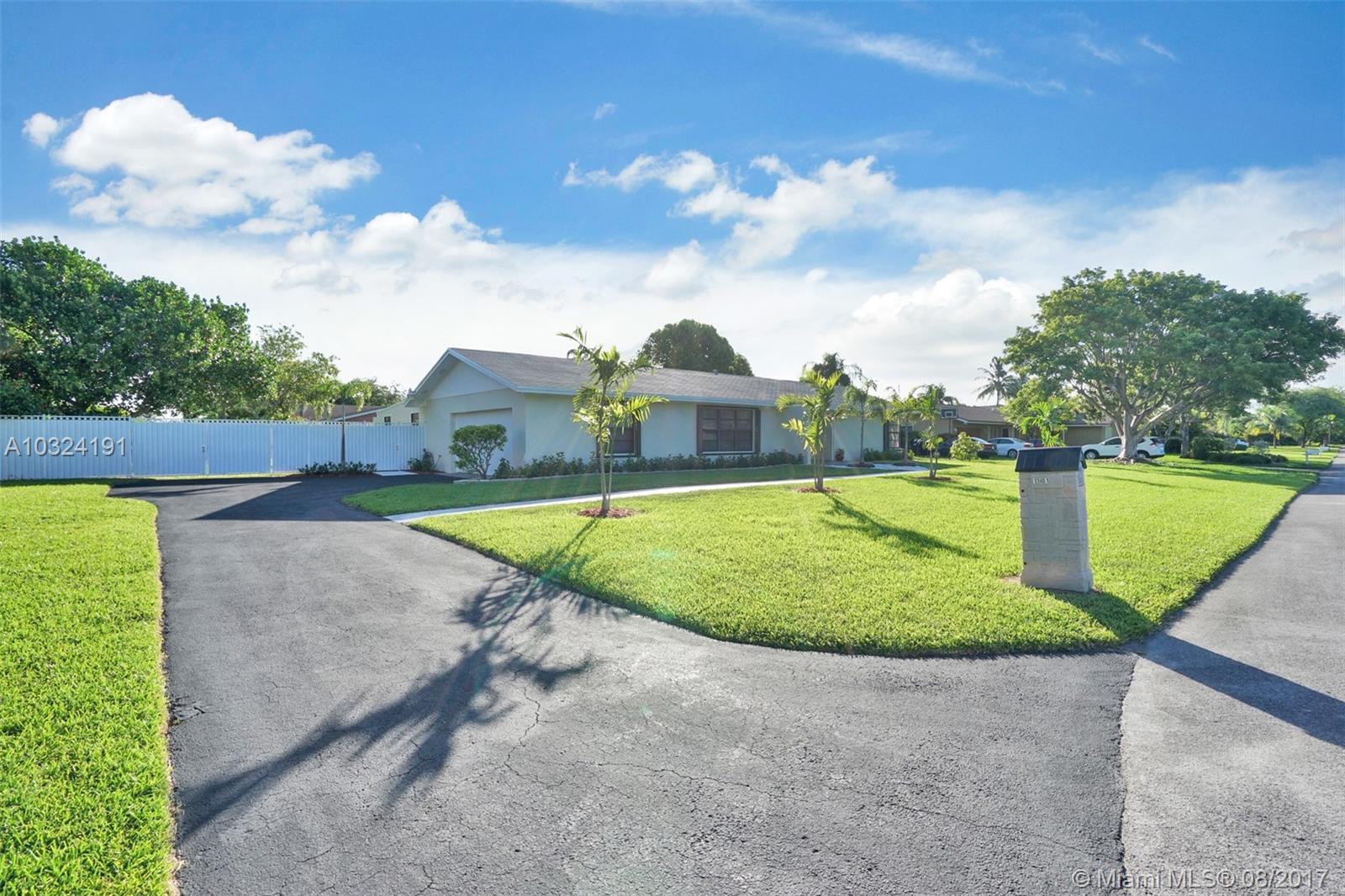 11401 SW 123rd St, Miami , FL 33176