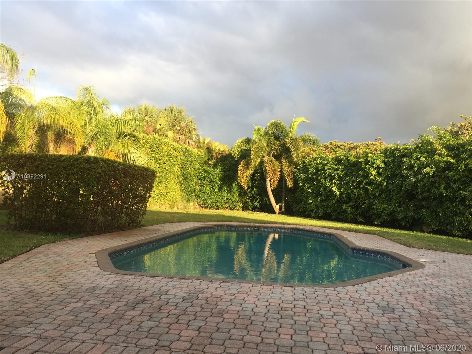 20320 Ne 19th Ct, Miami FL, 33179