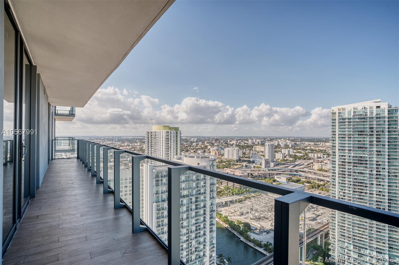 88 7th street-3811 miami-fl-33130-a10567991-Pic24