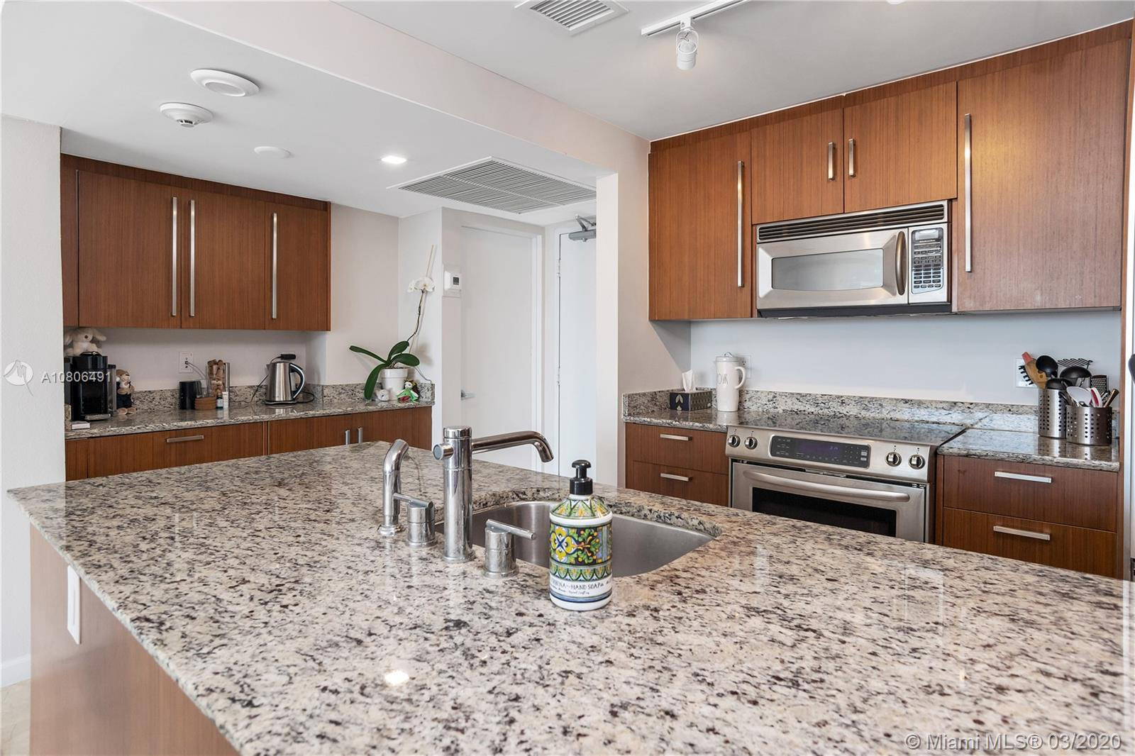 10275 Collins ave-1228 bal-harbour-fl-33154-a10806491-Pic10